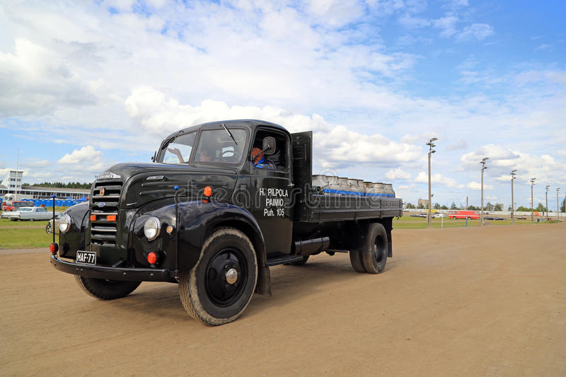 Vintage Ford Thames Pick Up Truck et bidons à lait photos libres de droits