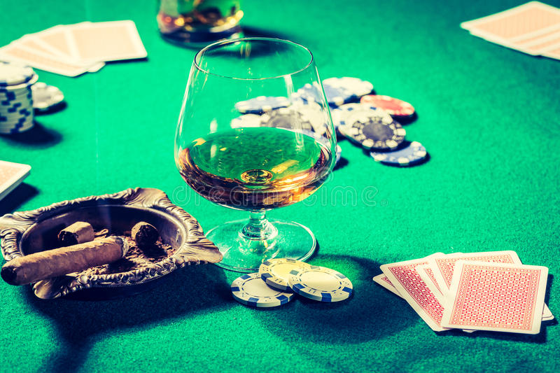 Vintage Table Poker Whiskey Cigar Cards Stock Photos - Download 44 ...