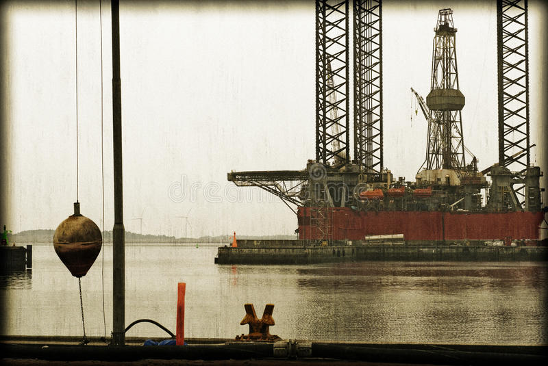 Download Vintage Harbour And Oil Rig Royalty Free Stock Photo - Image: 33206295