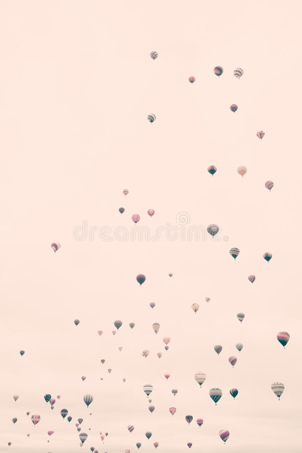Free Vintage Hot Air Balloons Royalty Free Stock Photography - 77260877