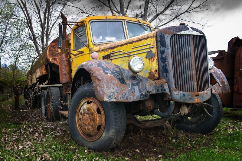 Vintage Mack Semi Trailer Truck Tanker foto de archivo
