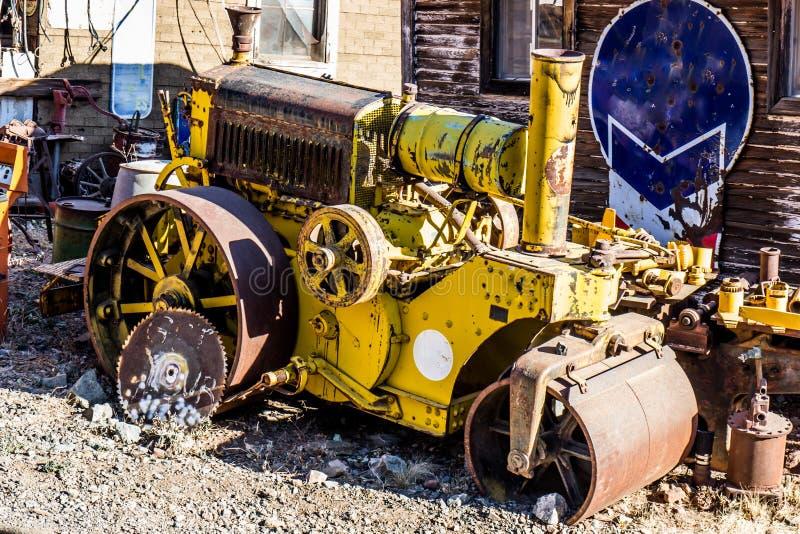 Vintage Mini Steam Roller jaune photos stock