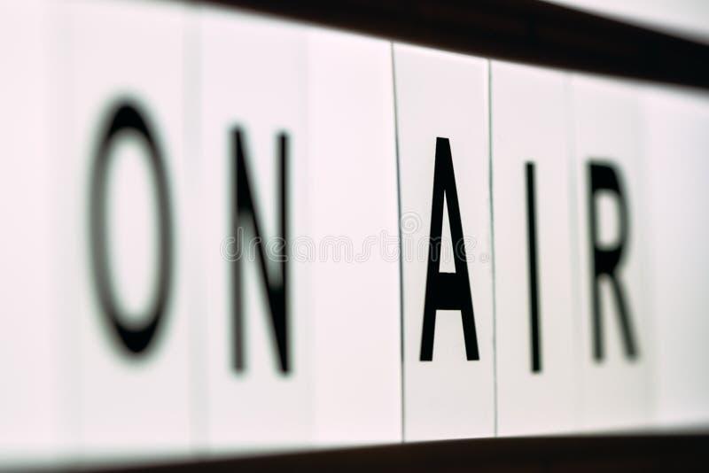 Vintage no sinal da transmissão em direto do ar fotos de stock