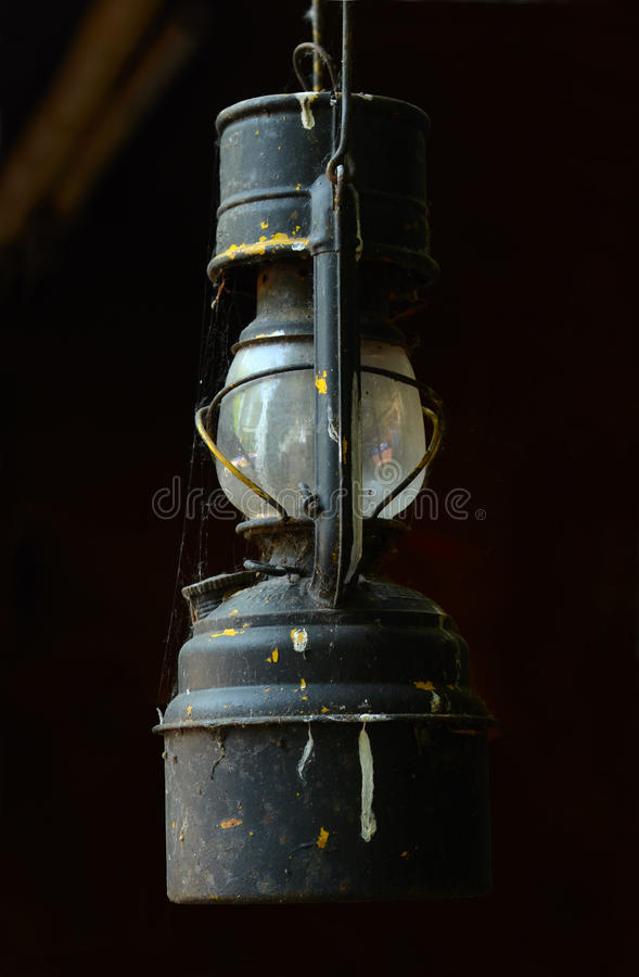 Free Vintage Oil Lamp Royalty Free Stock Image - 32611236