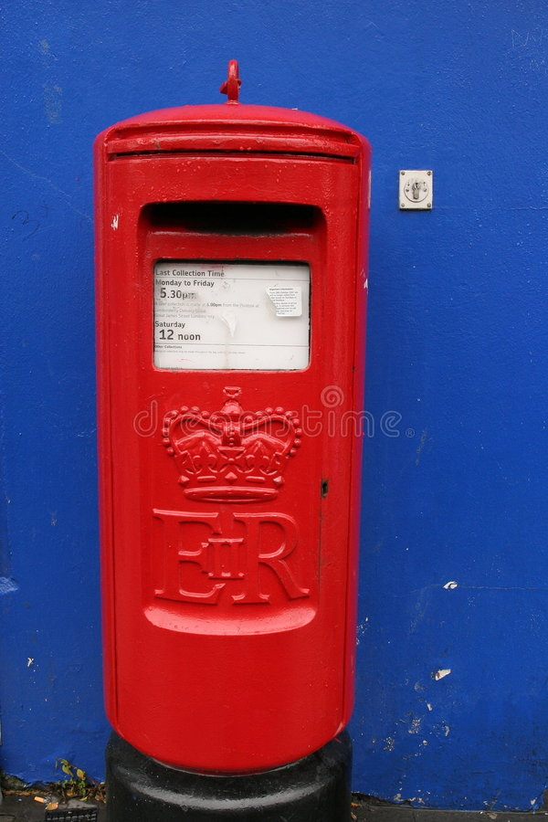 Free Vintage Post-box In Derry Royalty Free Stock Photography - 6207587