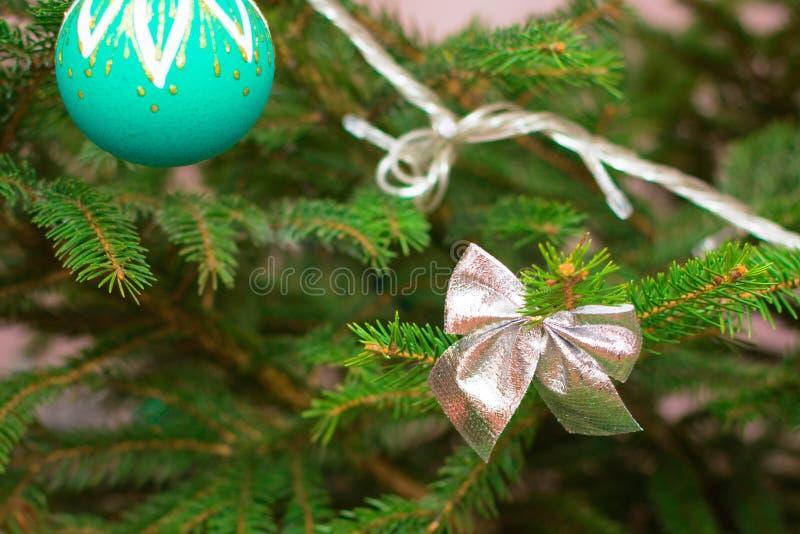 Vintage que mira la chuchería para la decoración del árbol de navidad fotografía de archivo libre de regalías