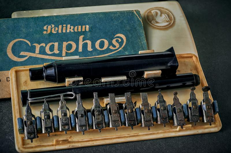 Vintage Rare Pelikan Graphos Calligraphy Tools Pen Set 12 Nibs studio shot Kalyan. 09 Aug 2016 Vintage Rare Pelikan Graphos Calligraphy Tools Pen Set 12 Nibs stock photo