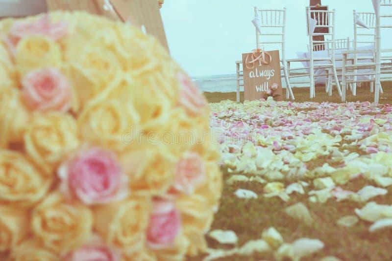Download Vintage Roses Bouquet Arrange For Wedding Stock Image - Image: 38924567