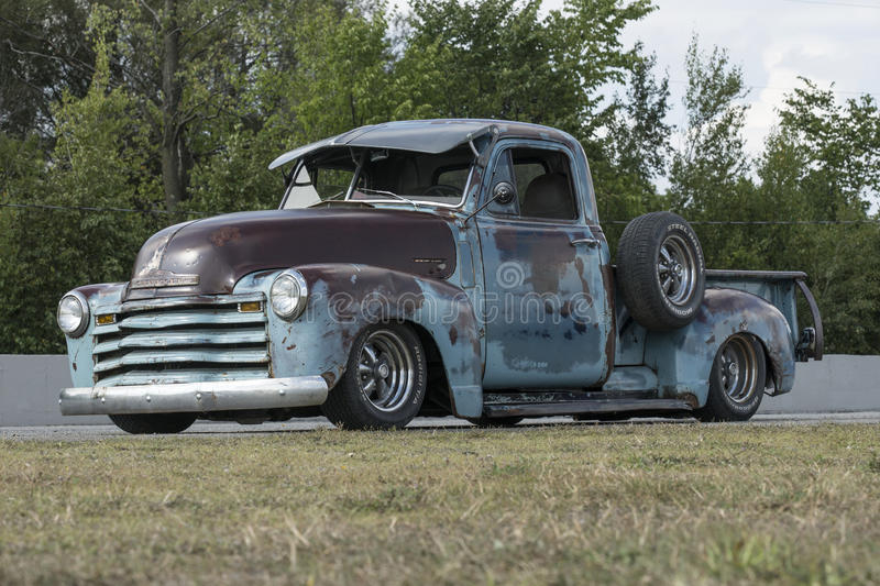 Vintage rusty pick up truck royalty free stock images