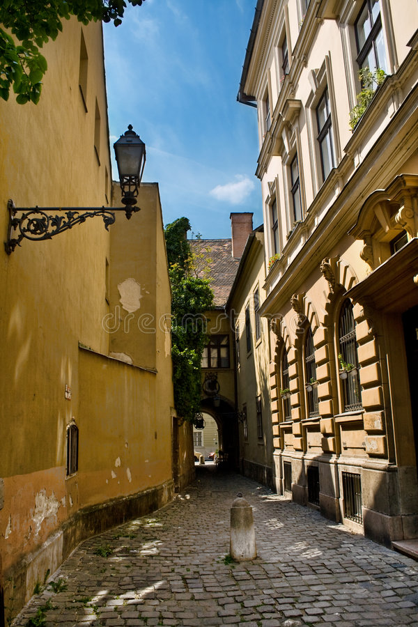 Free Vintage Street And Buildings In Budapest Stock Photo - 5376420