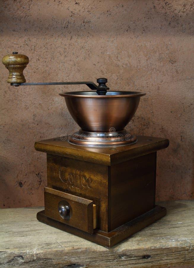 Free Vintage Styled Of Old Coffee Grinder Royalty Free Stock Image - 27270656