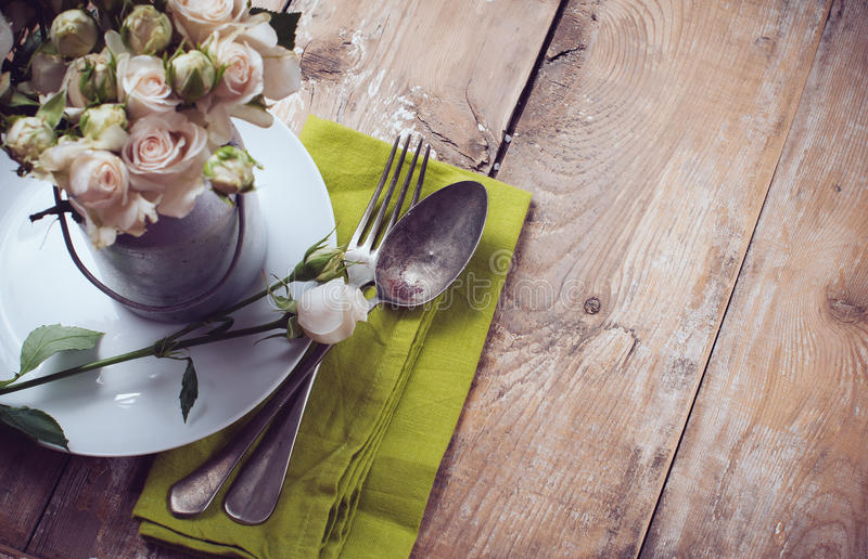 Download Vintage Table Setting With Rose Flowers Stock Image - Image: 32578843
