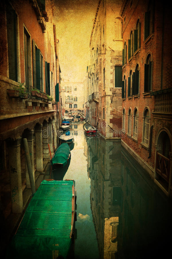 Free Vintage Textured Picture Of A Canal In Venice Royalty Free Stock Photo - 30188625