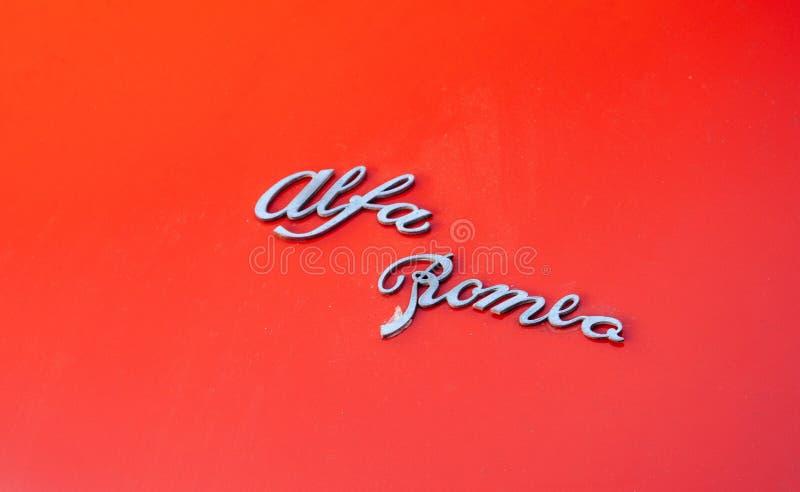 Vintage velho do vermelho de Romeo Spider do alfa do vintage foto de stock