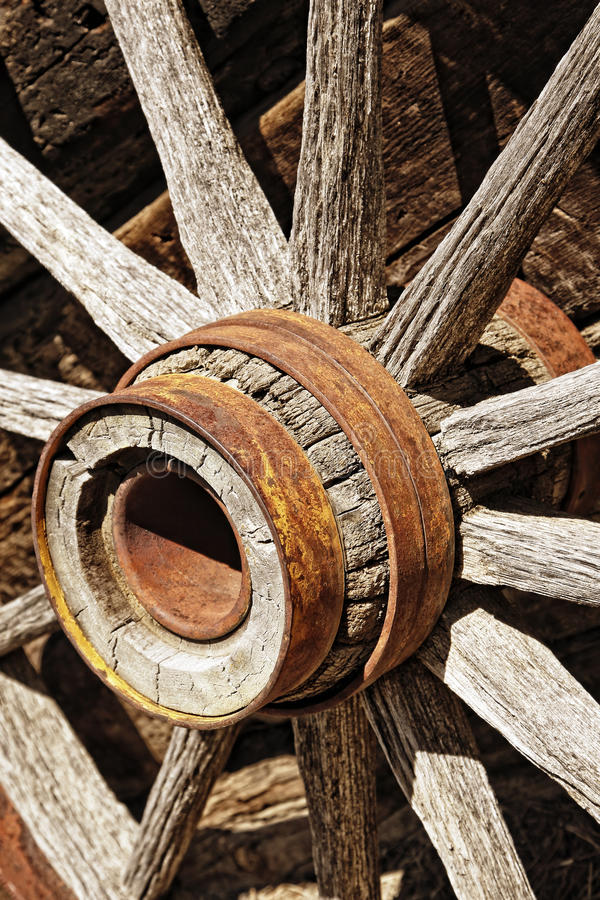 Free Vintage Wooden Wagon Wheel Stock Image - 13838001