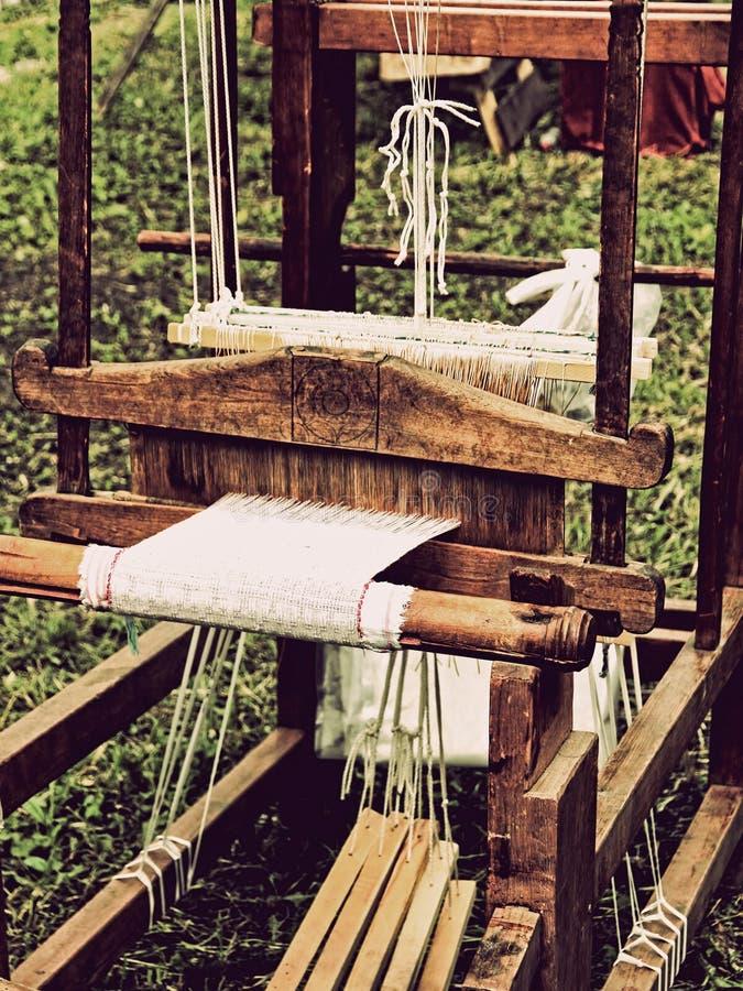 Vintahe编织机细节 被定调子的图象 免版税库存图片