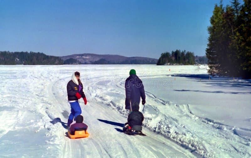 vinter för familjontario outing arkivfoton