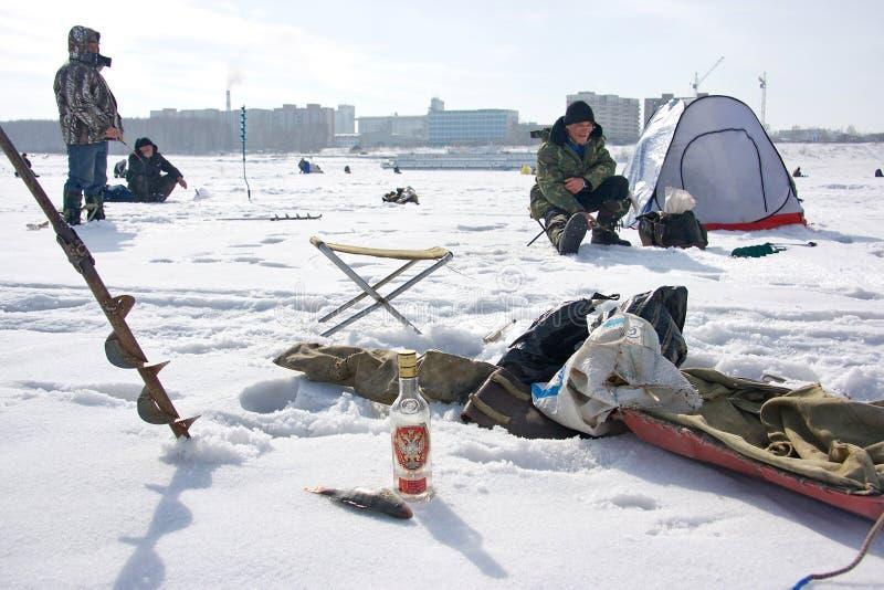 vinter för fiskeryssvodka royaltyfria bilder