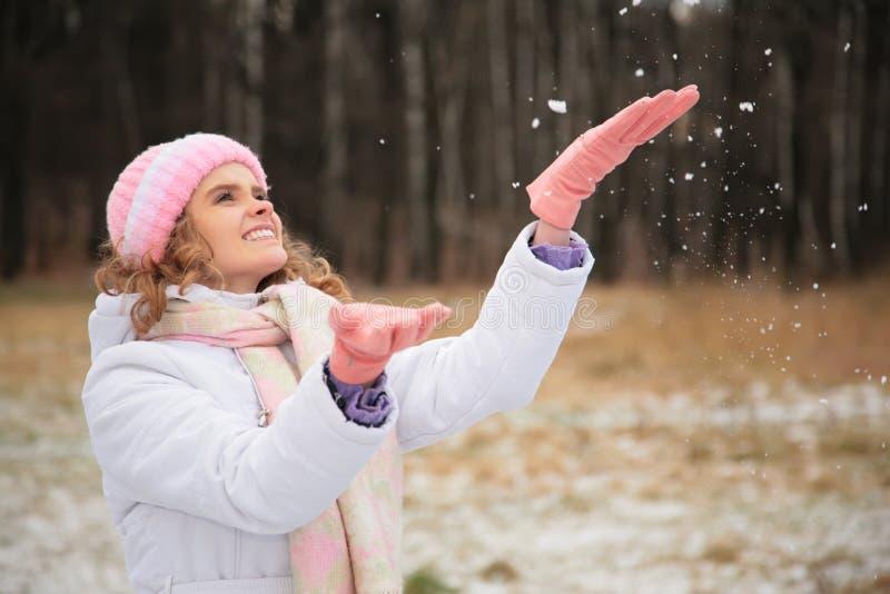 vinter för låsflickasnowflakes fotografering för bildbyråer