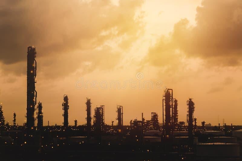 vinter för plats för raffinaderi för växt för olja för frostgasnatt arkivbild