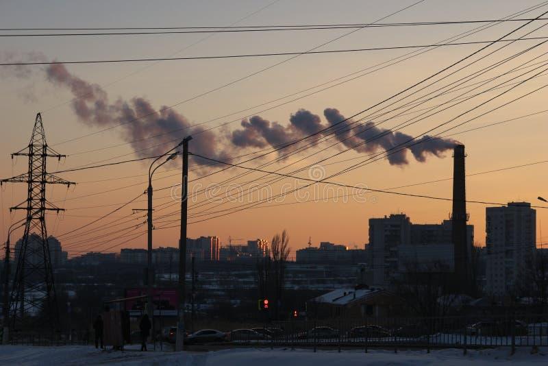 Vinter för stadsvolgograd stads- solnedgång arkivbild
