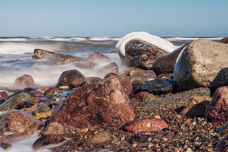 Vinter på kust royaltyfria bilder