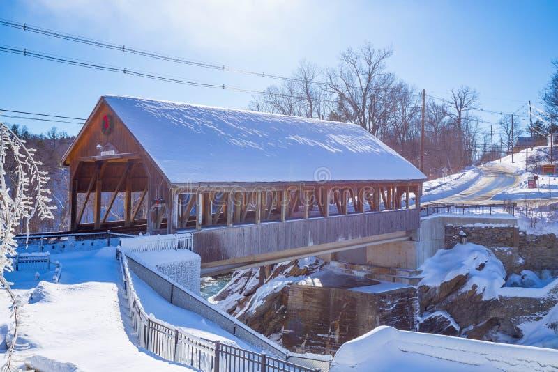 Vinter Quechee för dold bro royaltyfria foton