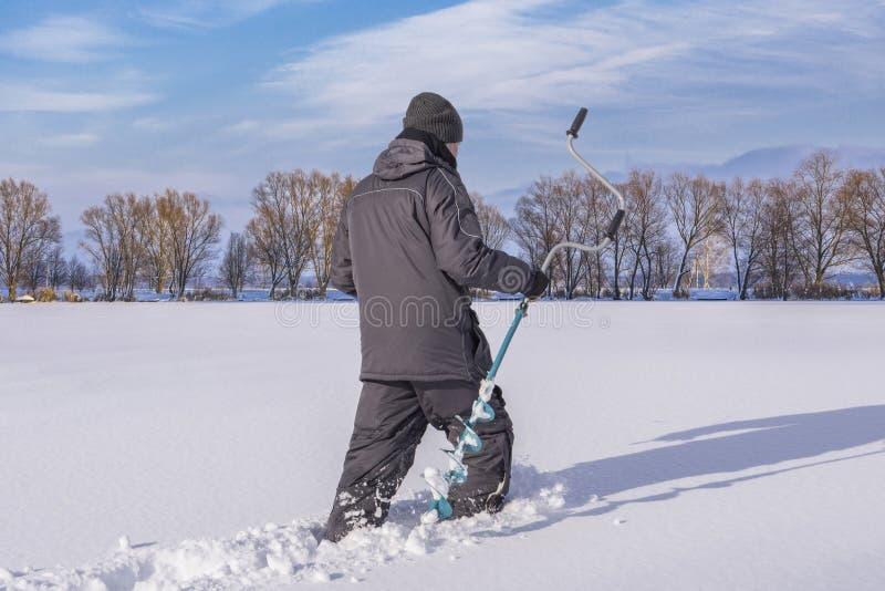 Vinter som fiskar begrepp  royaltyfri fotografi