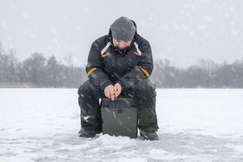 Vinter som fiskar begrepp  fotografering för bildbyråer