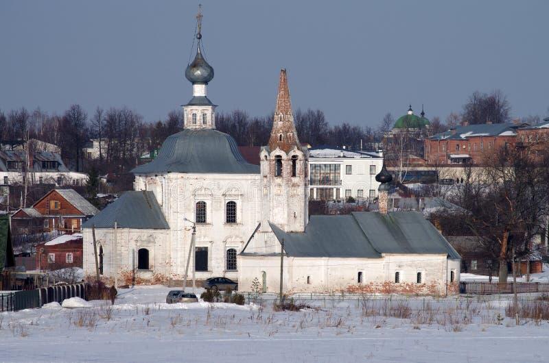 Vinterdag i Suzdal, Ryssland arkivfoto