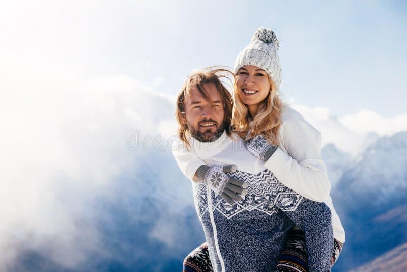 Vinterferier i snö royaltyfri fotografi