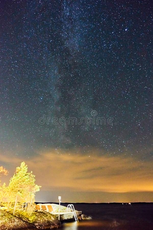 Vintergatan Galax på natthimmel royaltyfri fotografi