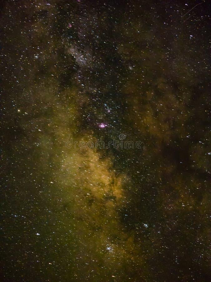 Vintergatan och stjärnor arkivfoto