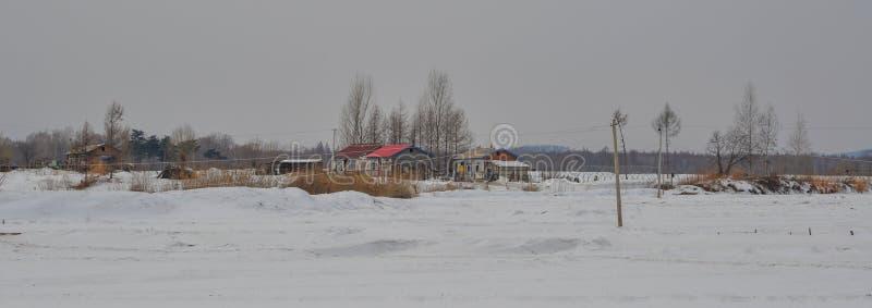 Vinterlandskap av det Mohe länet, Kina arkivfoton