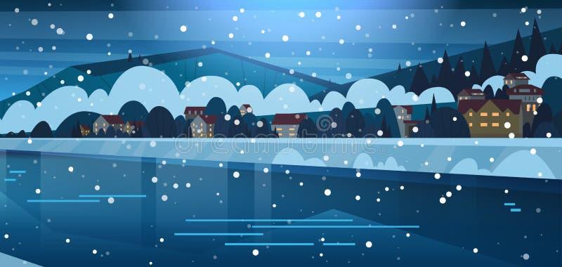 Vinterlandskap av små byhus på banker av djupfrysta flod- och bergkullar som täckas med snönattsikt stock illustrationer
