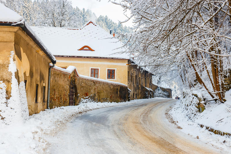 Vinterlandskap i Pieniny berg royaltyfria foton