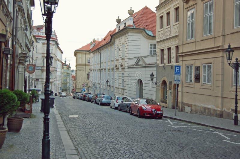 Vintermorgongata Prague arkivbild