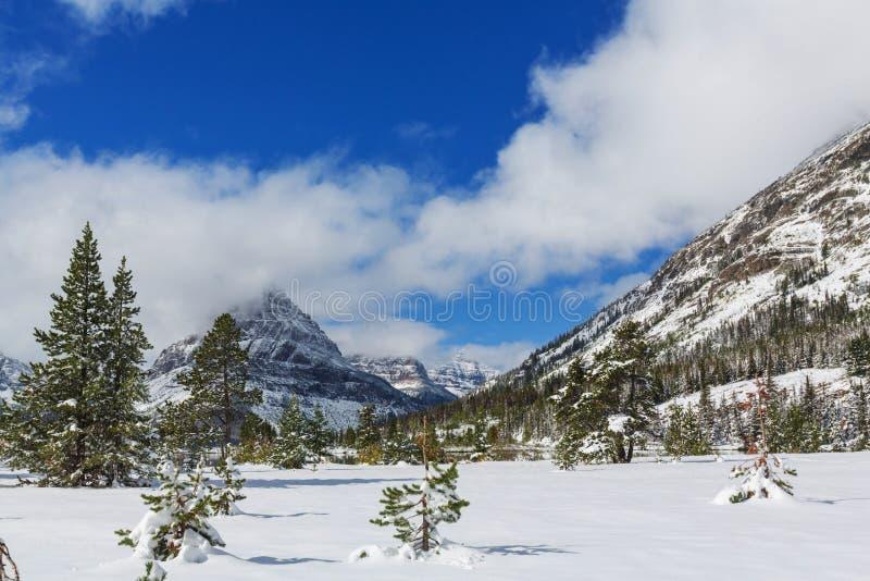 Vintern i glaciär parkerar arkivfoto