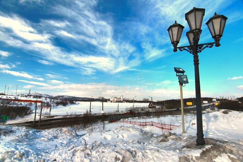 Vintern i stadsmitten av Murmansk, Ryssland royaltyfria foton