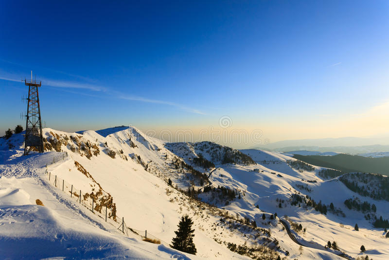 Vinterpanorama från Monte Grappa, Italien arkivbild