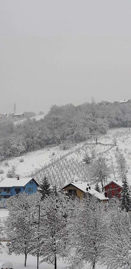 Vinterplats av bergbyn royaltyfria foton