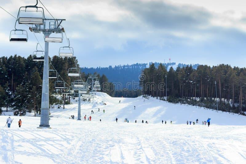 Vintersäsong Ski Lift fotografering för bildbyråer