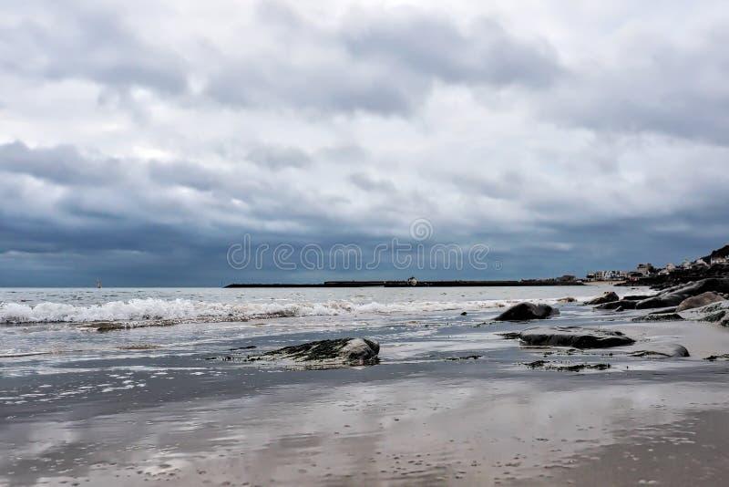 VinterSeascape - Lyme Regis arkivbilder