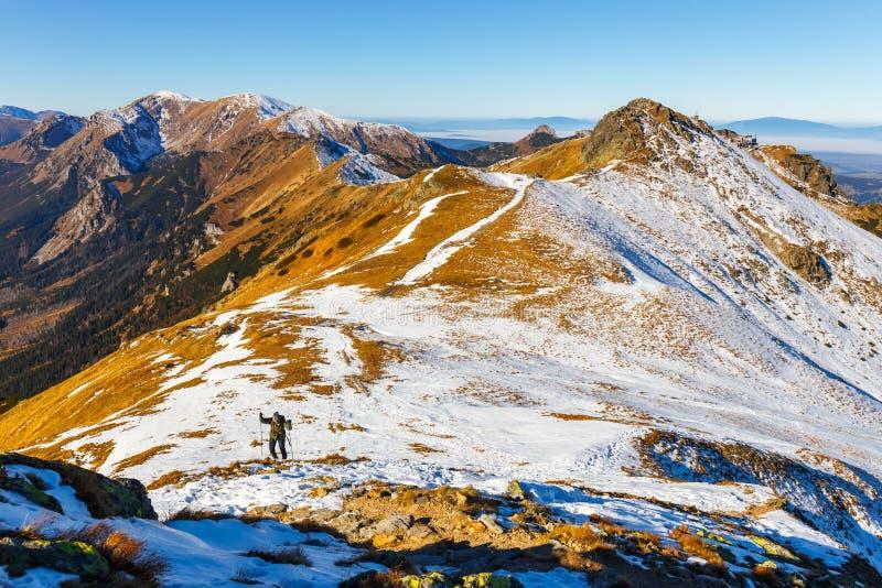 Vintersikt av höga Tatra berg royaltyfria bilder