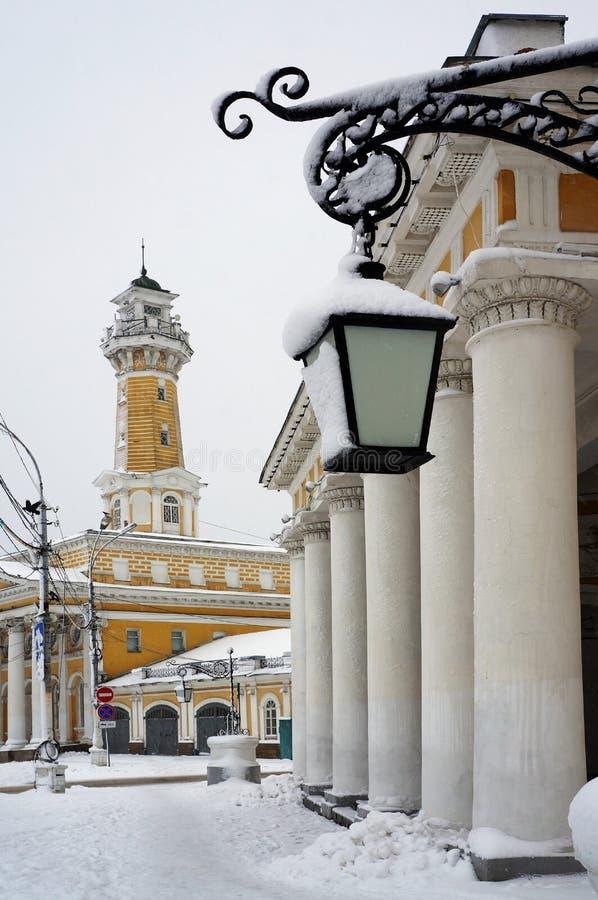 Vinterstad Kostroma, snöstorm royaltyfri foto