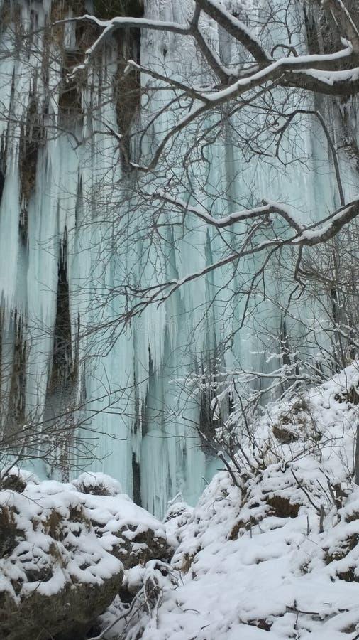 Vintervattenfall royaltyfri fotografi