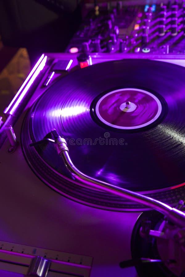 Vinyl auf den Plattformen stockbilder