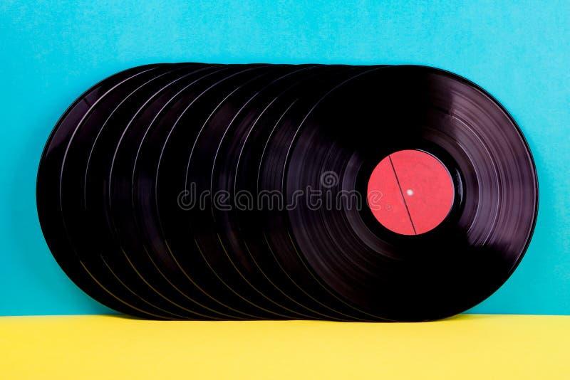 Vinyldisketten auf Hintergrund lizenzfreies stockfoto