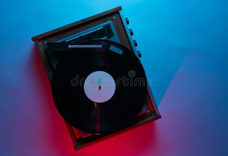 Vinylspieler mit Langspielplatten-Aufzeichnung lizenzfreies stockfoto