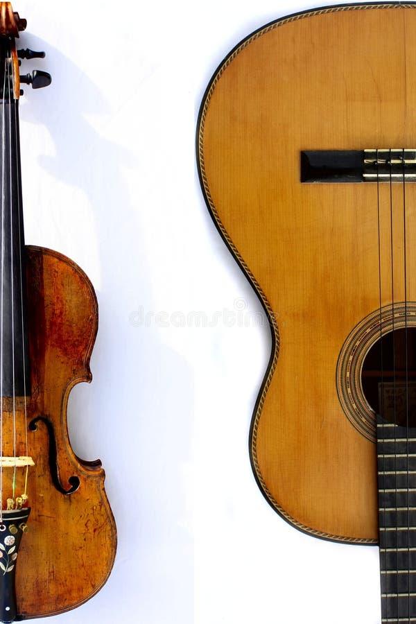 Violín y guitarra imagen de archivo
